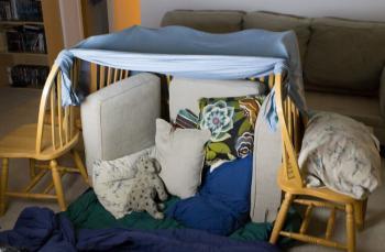 0-3 yaş çocuklara evdeki malzemelerle oyuncak fikirleri