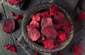 Kırmızısıyla büyüleyen antioksidan sebze: Pancar