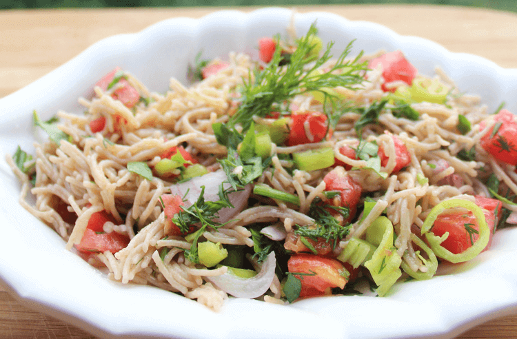 Tel şehriyeli salata tarifi