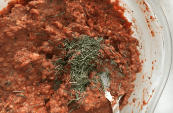 Domates salçası ile yapılan sağlıklı kahvaltılık tarifi