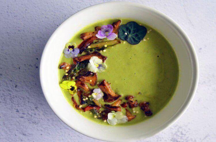 Hindistan cevizi sütlü kuşkonmaz çorbası tarifi