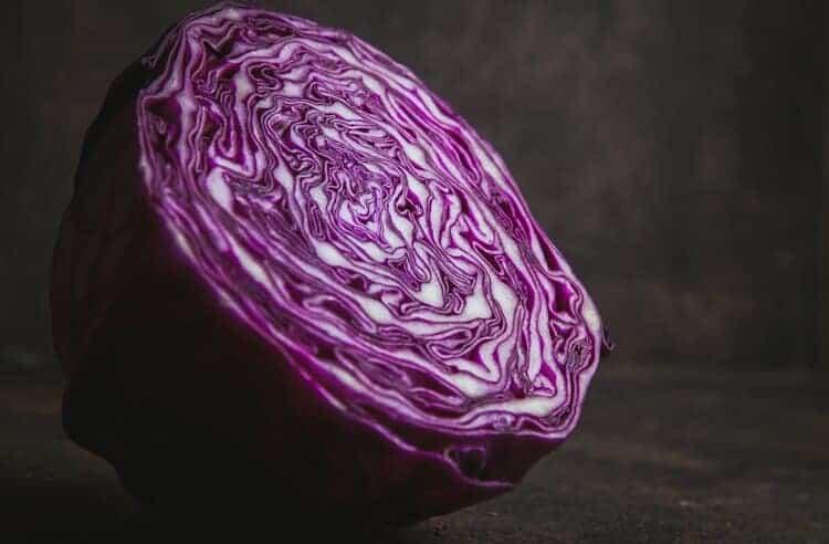 Kırmızı lahana suyu nasıl yapılır? Faydaları nelerdir?