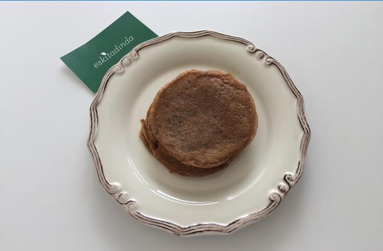 Yulaf unlu ıspanaklı krep tarifi (badem sütüyle)